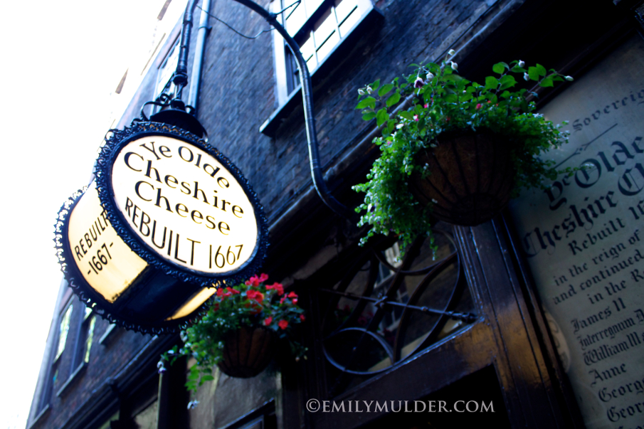 Ye Olde Chesire Cheese Sign