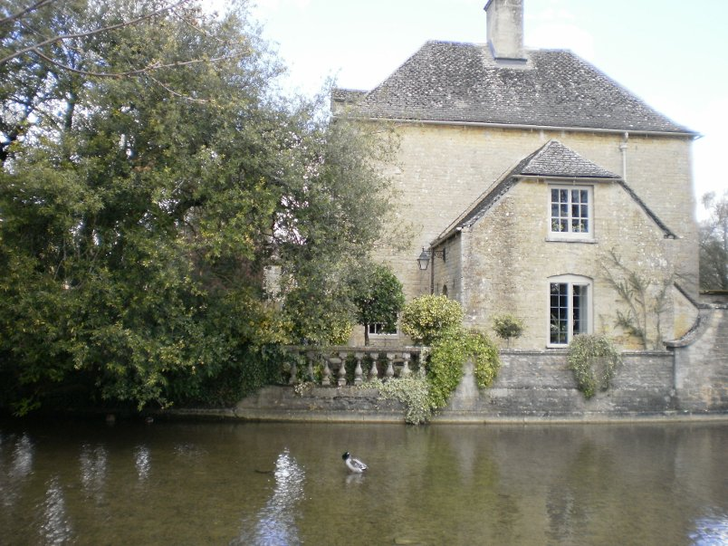 Home in Bourton-on-the-Water