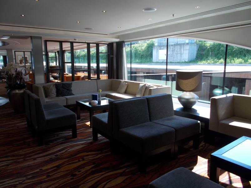 Panorama Lounge Artistry II