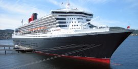 RMS_Queen_Mary_2_in_Trondheim_2007