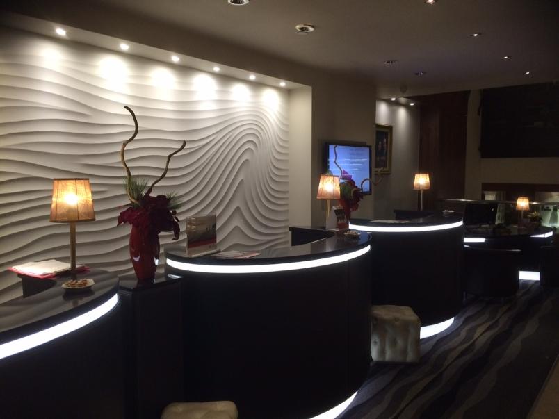 Crowne Plaza London Lobby Bar