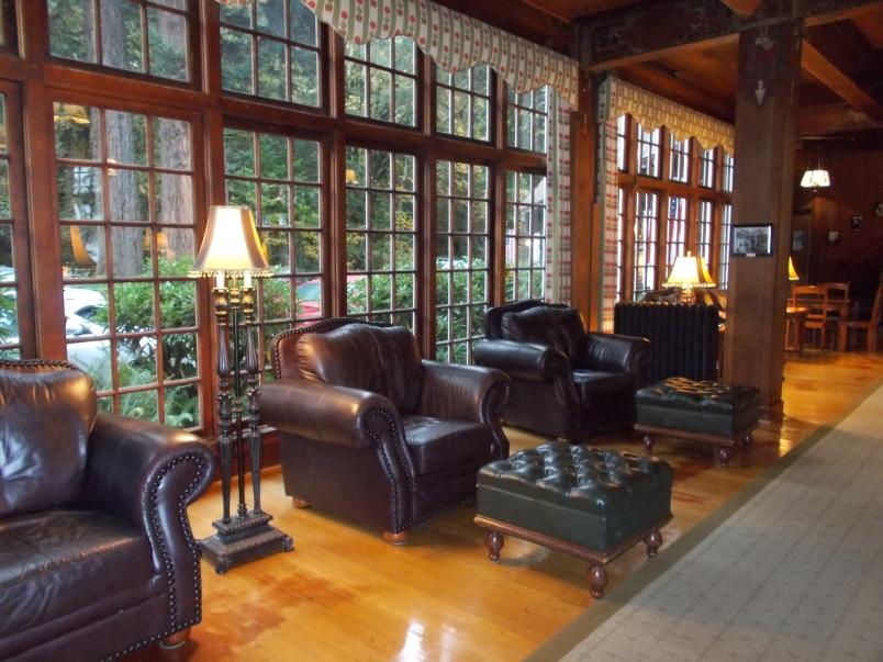 Lobby Lake Quinault Lodge