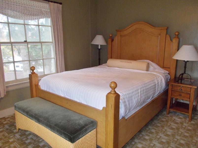 Main Lodge Room Lake Quinault Lodge