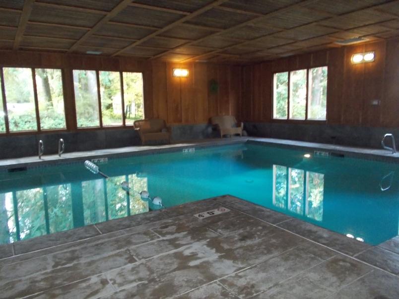 Pool at Lake Quinault Lodge