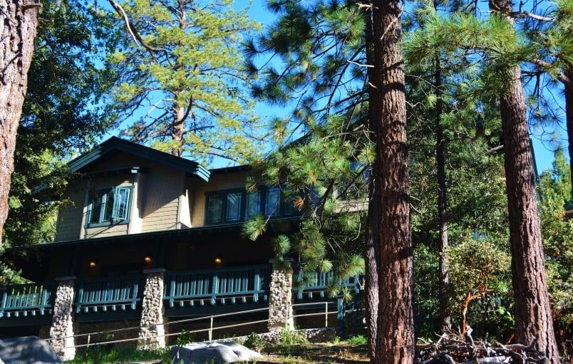 Exterior of Grand Idyllwild Lodge