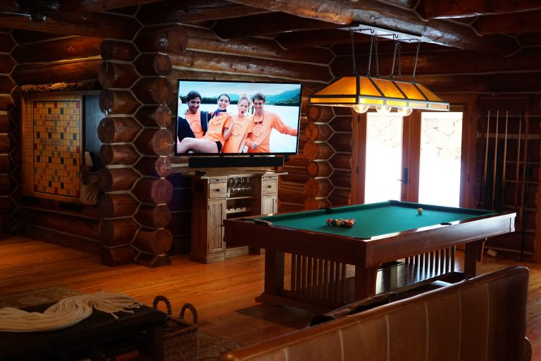 grand river lodge pool table and tv