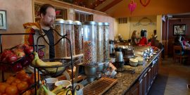 Icicle Village Resort breakfast buffet