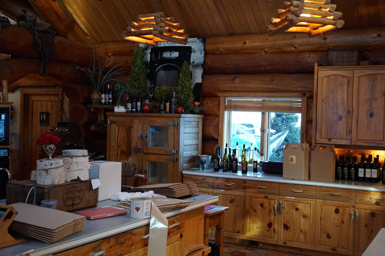 Leavenworth Icicle Winery Labeling Bottles