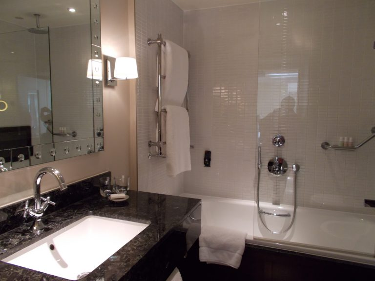 Bathroom The Executive Suite The Arch London