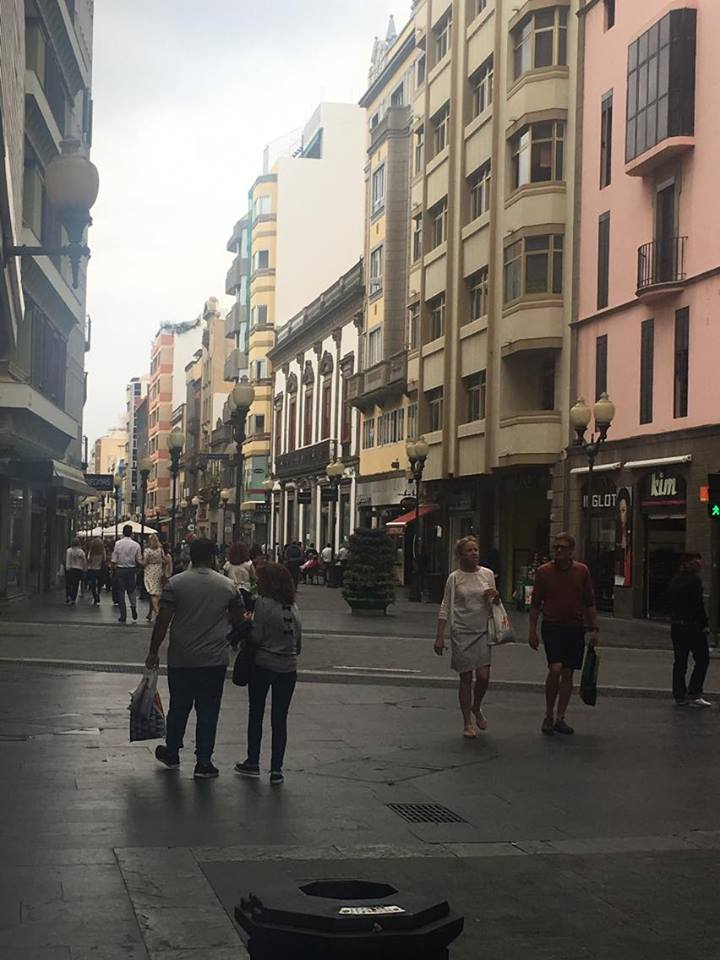 Calle Tirana in Las Palmas Old Town photo by Giovanni Bruzzese