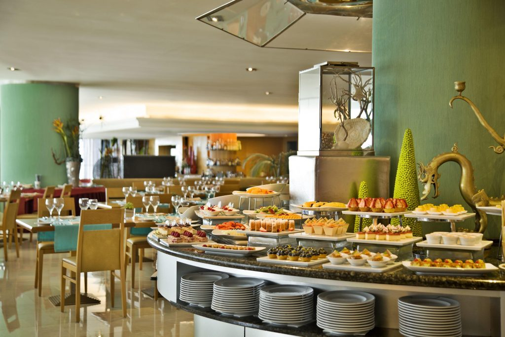 Oasis Restaurant Breakfast Buffet
