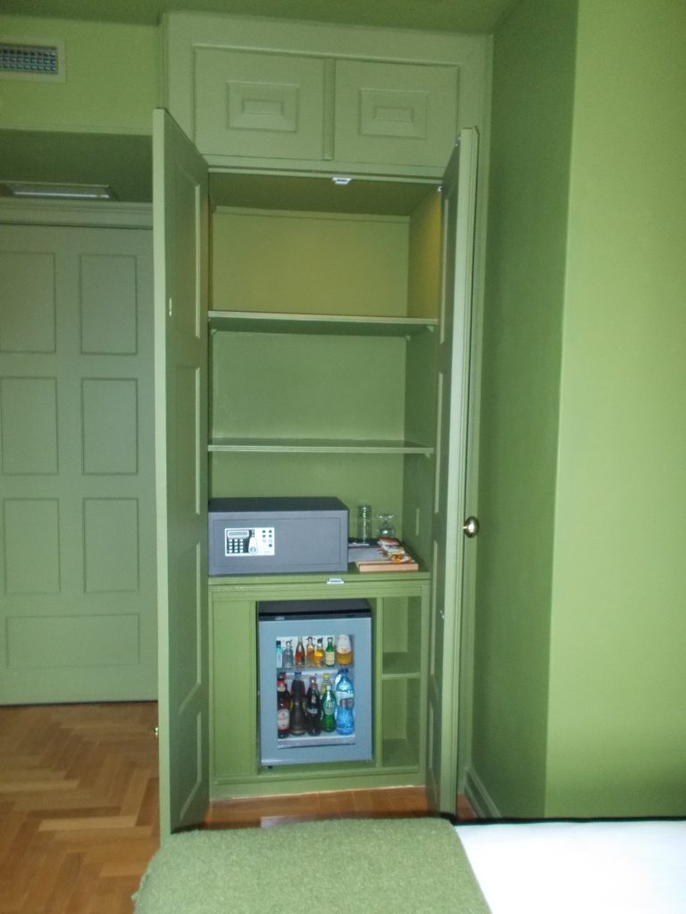 Storage with Safe and Mini Bar Villa Cascais