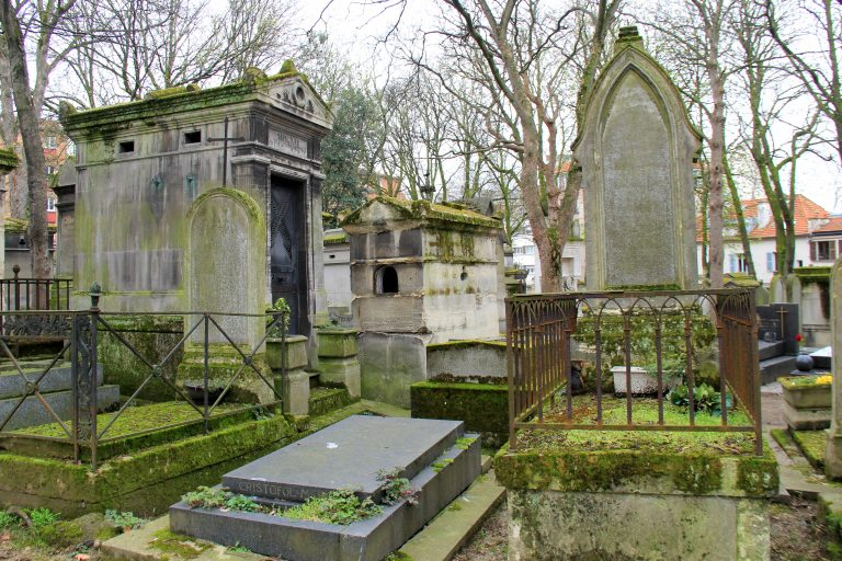 Mossy Graves Paris