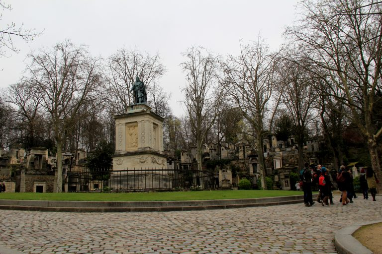 Pere Lachaise Cemetery Walkway