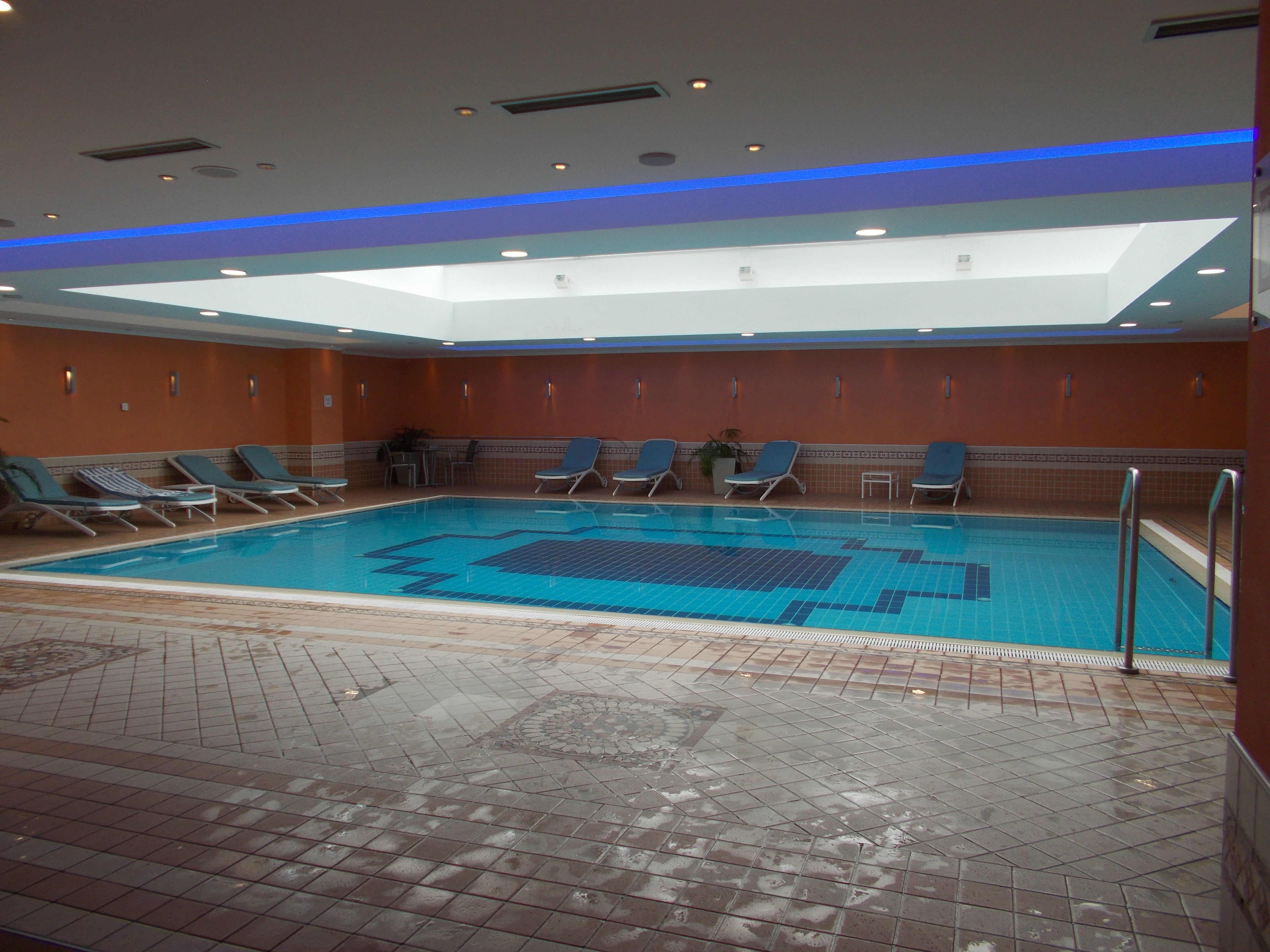 The hilton imperial dubrovnik historic dubrovnik hotel - Hilton swimming pool ...
