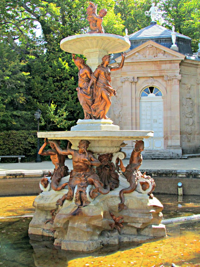 Fountain of the 3 graces marble summer house La Granja