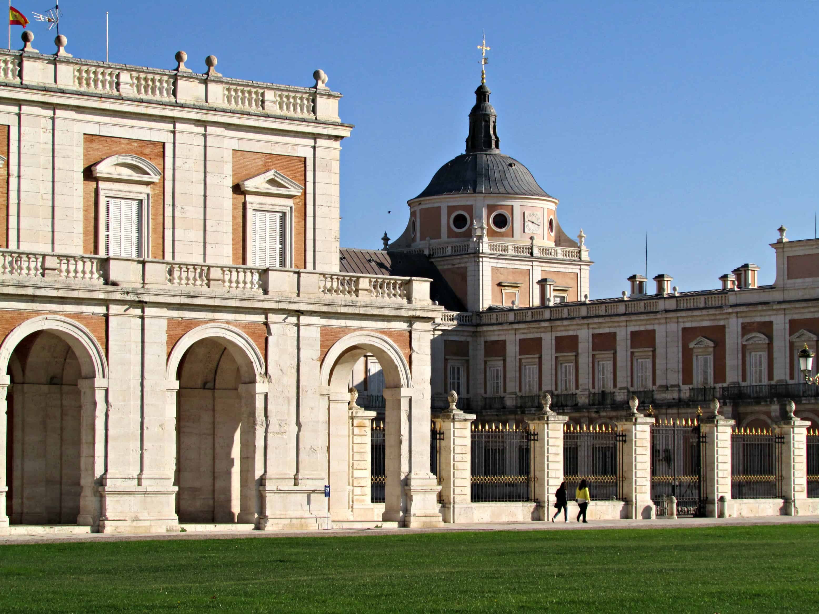 a royal palace and gardens in a royal city aranjuez spain