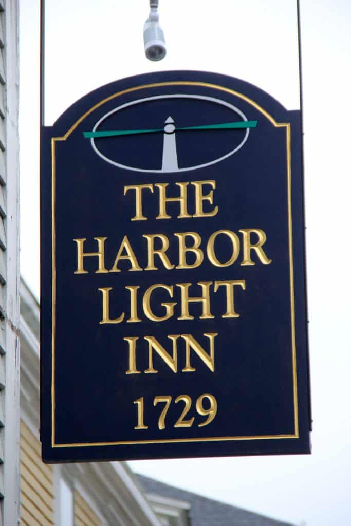Harbor Light Inn Sign