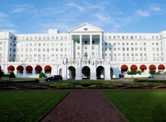 Facade The Greenbrier