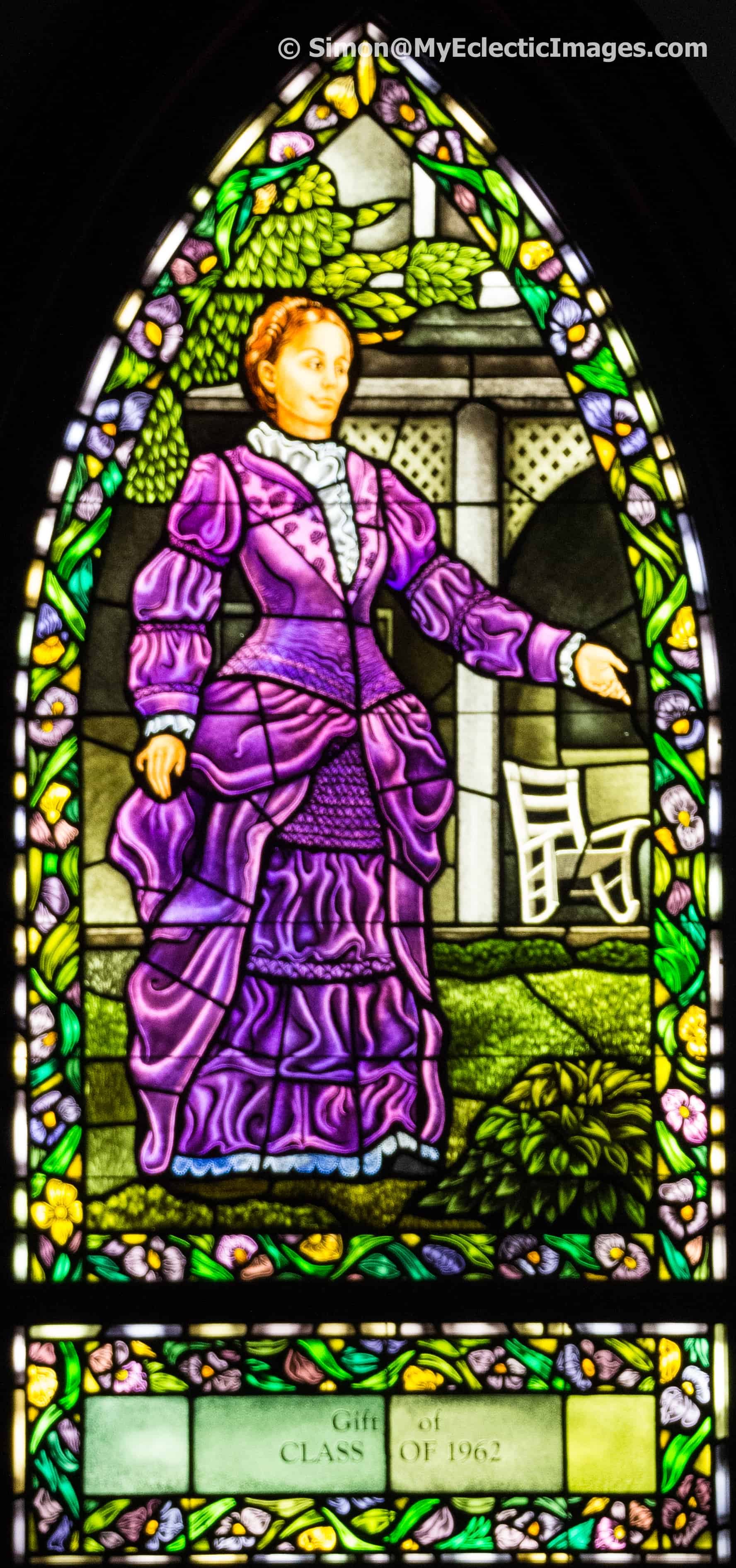 Commemorating Olivia Langdon Clemens in stained glass in chapel of Cowles Hall