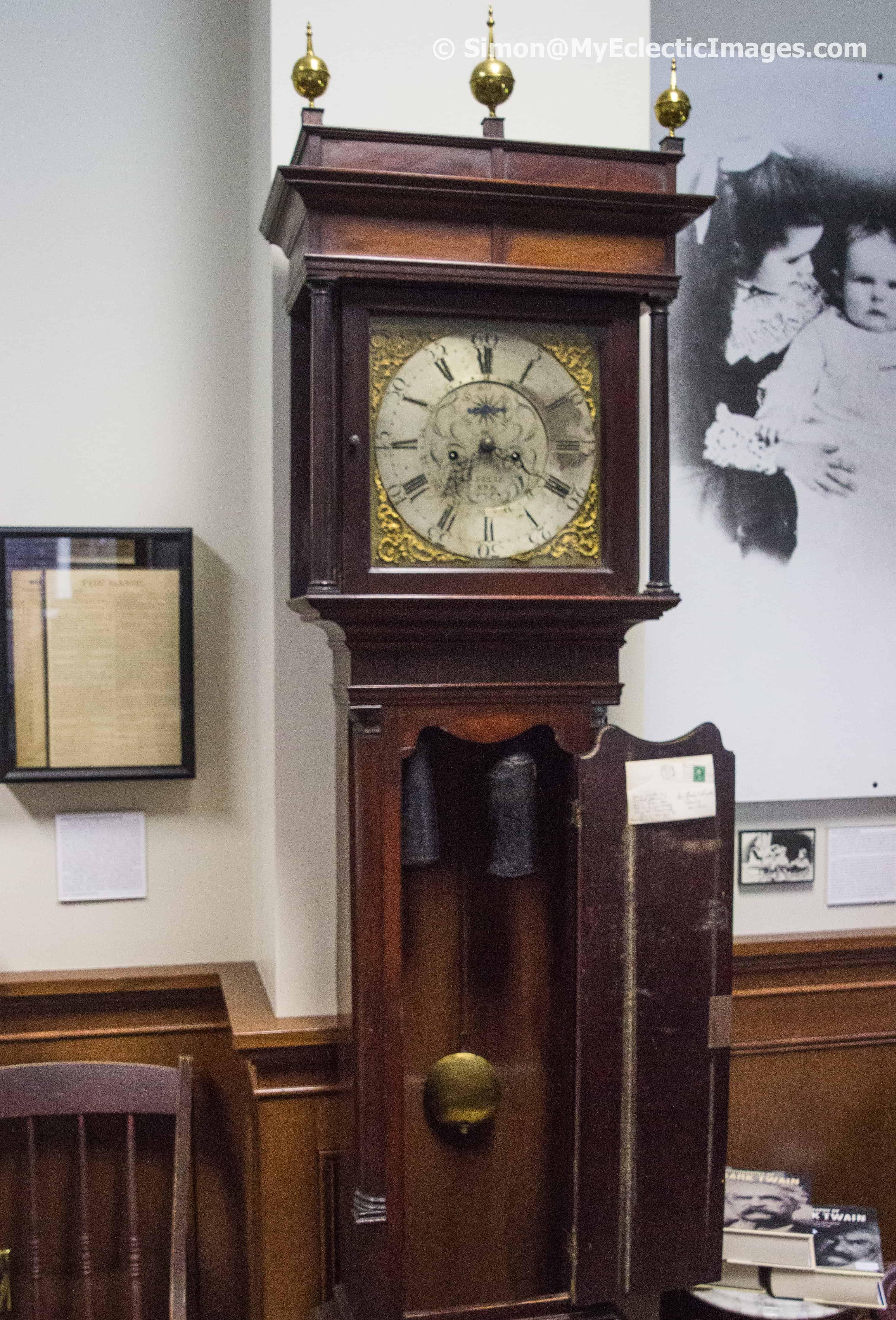 Exhibit of Mark Twain memorabilia