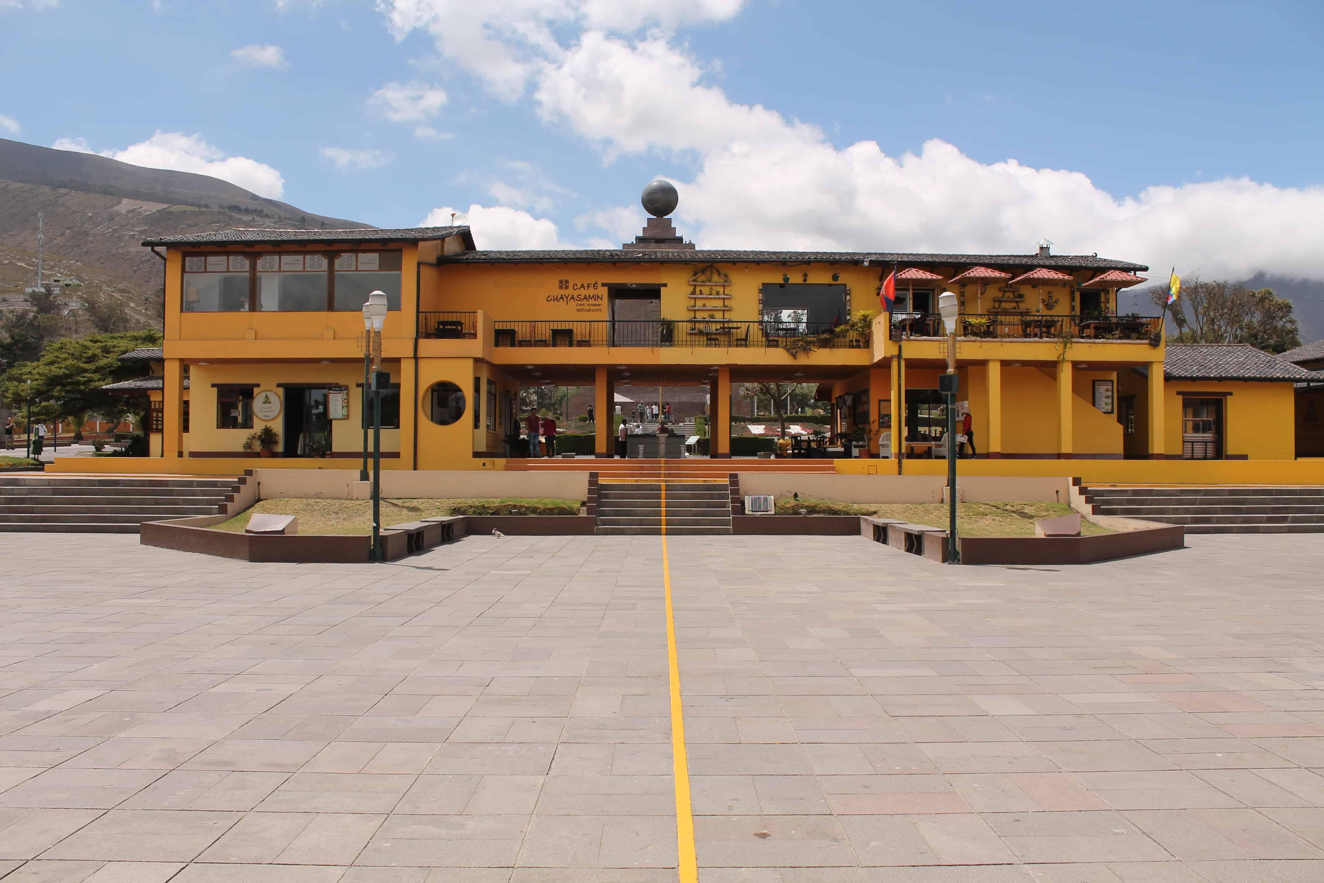 Mitad del Mundo - Ecuador Travel